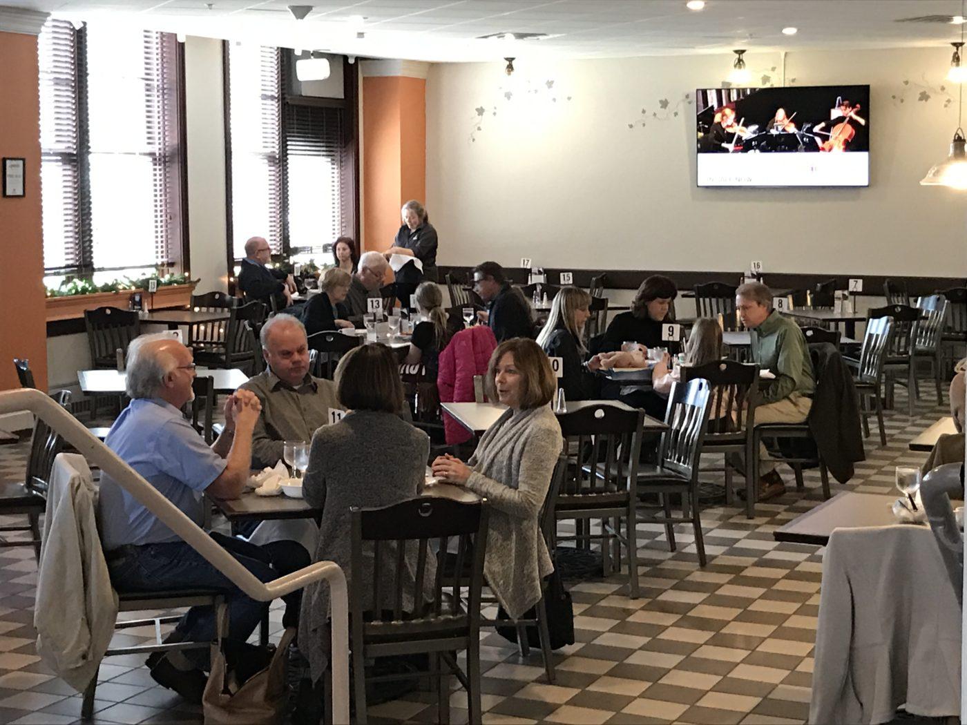 Image of Sunday brunch at Leonardo's Cafe