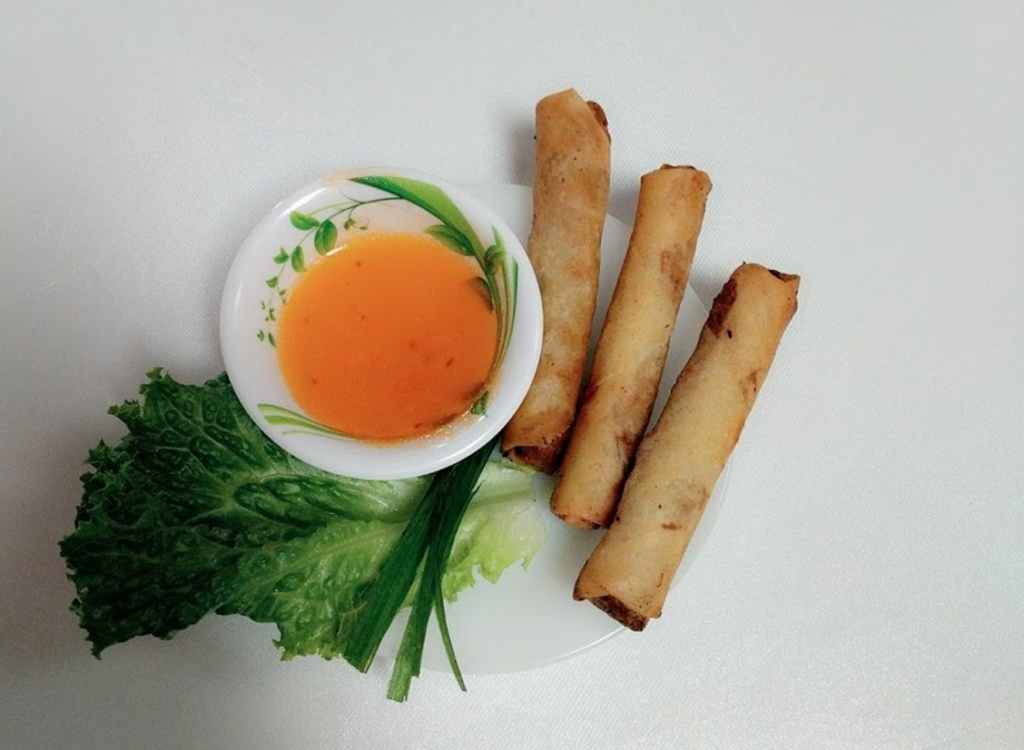 Vietnamese food truck makes sioux falls debut siouxfalls nguyen and phan cook everything on the menu from scratch once they perfect a bread recipe nguyen said they will add banh mi sandwiches to the menu forumfinder Gallery